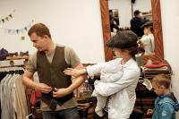 Семейная примерка в шоуруме Tweed Hat