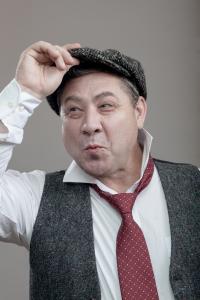 Шутливые образы посетителей фотокабинета в Tweed Hat