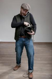 Алексей Ефимов в кепке Stetson и жилетке Hatman of Ireland