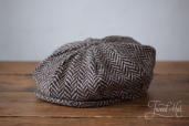 Grey Herringbone Tweed 8-piece Cap by Hanna Hats